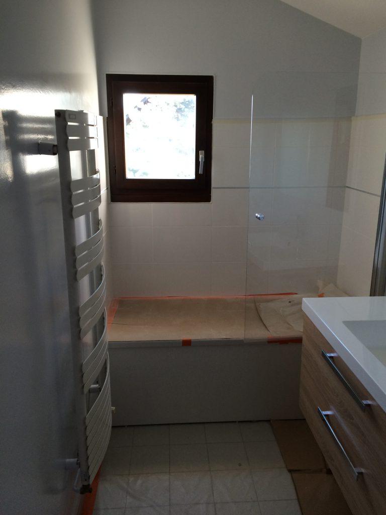 fabrication de salle de bains sur mesure annecy fabrication de salle de bains sur mesure. Black Bedroom Furniture Sets. Home Design Ideas